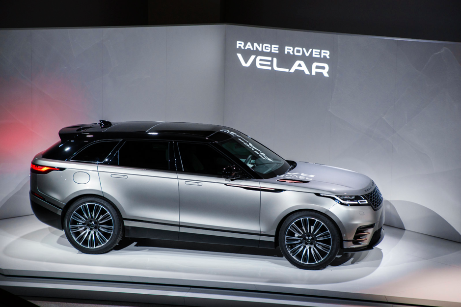 Range Rover Velar Links Broadcast